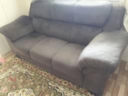 Jogo de sofa 3 e 2 lugares em bom estado na cor marrom escuro