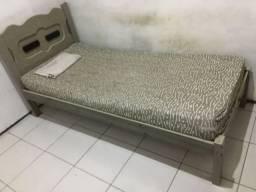 Vendo cama de solteiro em ótimo estado, já desmontada só no ponto de levar !
