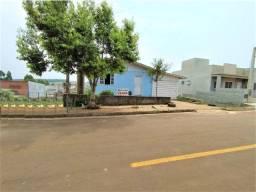 Terreno de 377 m² com casa mista por R$ 275.000,00