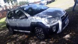 Toyota Etios cross automatico 2017 prata