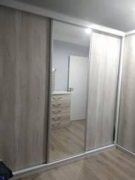 Roupeiro em L, 3 portas de correr e espelho