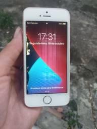 Vendo ou troco iPhone SE de 16gb com listras na tela