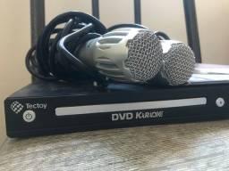 Função DVD e Karaokê + 2 microfones + cds de karaokê