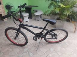 Bicicleta aro 24 c/ marcha