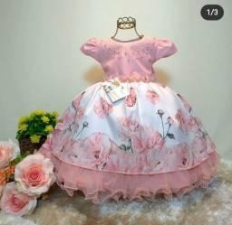 Vestido usado apenas uma vez.