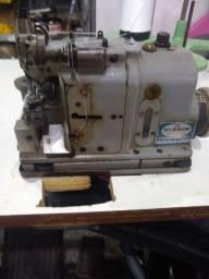 Máquina de costura fina