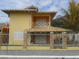 Título do anúncio: Sobrado terreno Esquina praia de Itaguaçu,4dorm,280m2construídos,salão festas