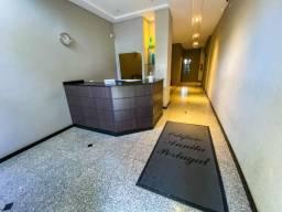Apartamento com 2 dormitórios à venda, 70 m² por R$ 264.990 - Centro
