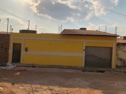 Alugo casa bem ampla de 3 quartos no pq das palmeiras