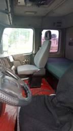 Caminhão Volvo NH12380 Trucado