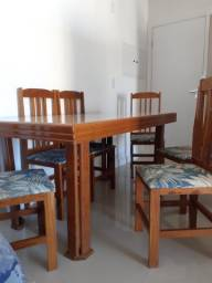 Mesa e 6 cadeiras