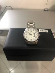 Relógio Tecnos na caixa