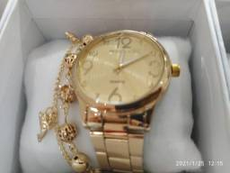 Lindos relógios na caixa!!
