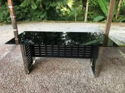 Mesa para escritório com tampo  de vidro