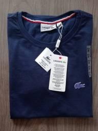 Camisas peruanas básicas.