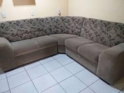 Geladeira e sofa