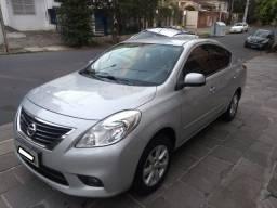 Nissan Versa 1.6 SL Completo Muito Novo Revisado Sujeito a Qualquer Exame 2014