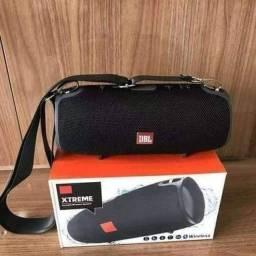 Caixa de som JBL Xtreme portátil com bluetooth