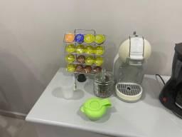 Cafeteria e suporte para cápsulas de café