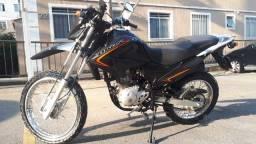 Oportunidade: Motocicleta Bros NXR 125 preta - Único dono