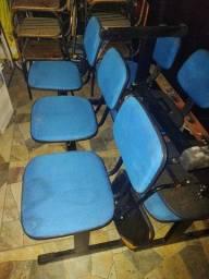 Cadeira três lugares