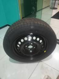 Pneu pirelli com roda