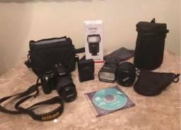 Vendo Máquina Fotográfica Nikon com os ítens da foto