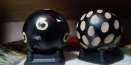 2 bolas de decoração lindas com base em borracha natural!