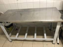 Mesa inox 150 cm por 70 cm resistente
