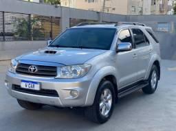 Toyota Hilux SW4 SRV Diesel 4x4 Aut 7 Lugares