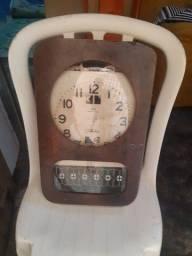 Antigo Relógio De Parede Marcar Transistora Calendar..