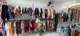Título do anúncio: Vendo mercadoria para quem quer montar sua própria loja roupas masculina e feminina!