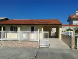 Casa Praia do Sonho/Palhoça: à 200m do mar; 03 quartos, 02 banheiros, churrasqueira