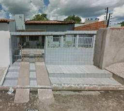 Casa no centro de Altos / PI com 175m2 - 1 suite, garagem, quintal