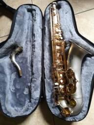 Saxofone tenor Americano L.A