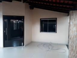 Vendo duas casas em Castanhal feitas em um terreno 10x30 por 300 mil reais as duas casas