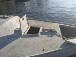 Vendo ou troco casco de barco avelã só o casco