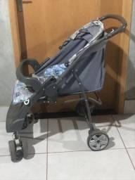 Carrinho de bebê usado