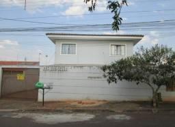 Alugo sobrado em condomínio fechado próximo ao fórum de Ibiporã