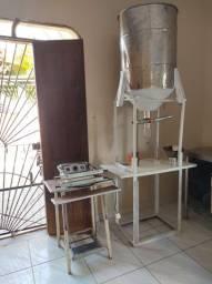 Máquina selar e Farinha_ R$ 1500