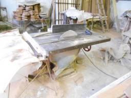 Máquinas antigas usadas marcenarias e serrarias