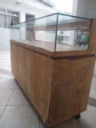 Balcão expositor madeira e vidro 1,46x0,40x 1m altura