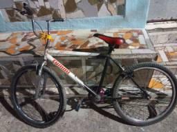 Bike aro26 vendo ou troco em outra bike ou celular!