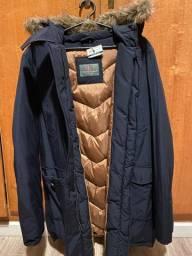 Casaco de frio forrado com pele no pescoço /capuz