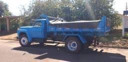 Caminhão Caçamba Toco