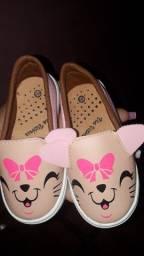 Sapato e roupa de menina 1 a2 anos