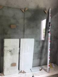Box de alumínio incolor