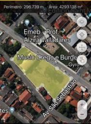 Terreno mais Barracao bairro goiabeiras
