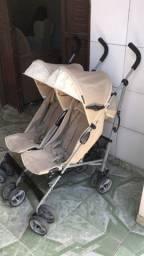 Carrinho de bebê gemeos