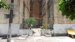 Apartamento para alugar no Conjunto Beira Mar com 03 quartos